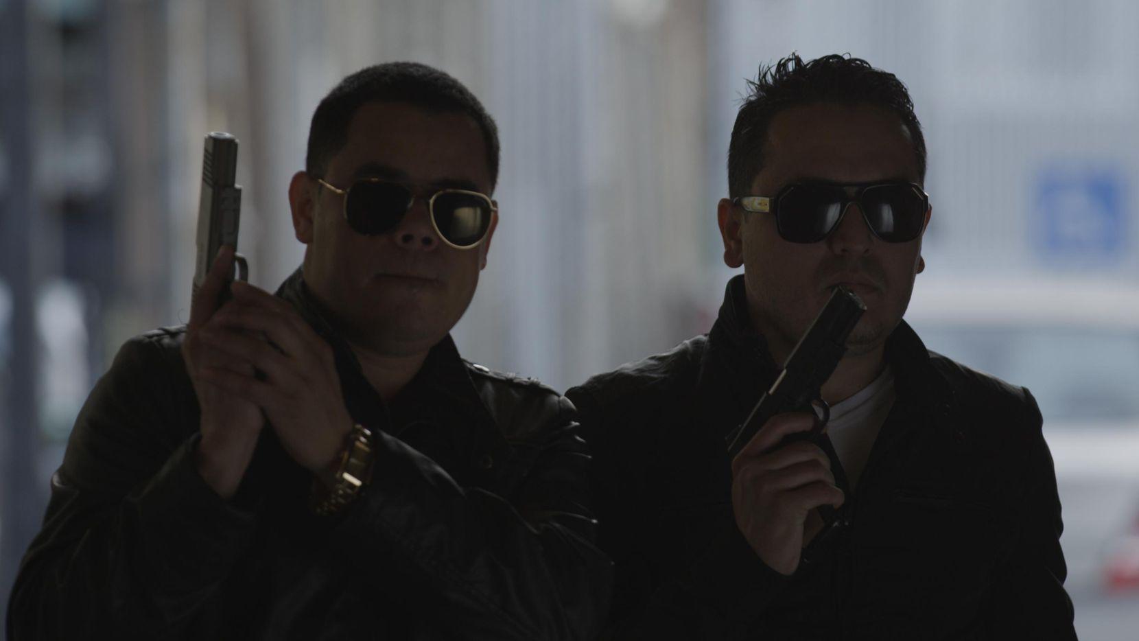 """Gabriel y Nano Berrelleza, conocidos como los Cuates de Sinaloa, protagonizan la cinta """"¿Cómo le digo?"""" por Cinelatino.(CORTESÍA CINELATINO)"""