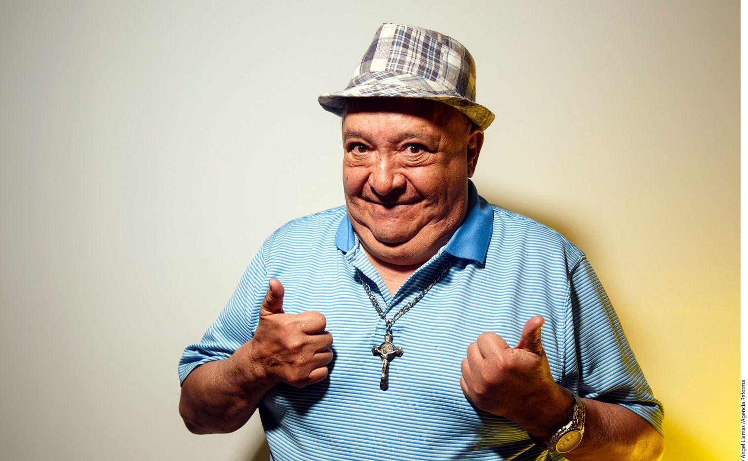 """El comediante Luis de Alba, conocido por su personaje """"El Pirruris"""", chocó contra la entrada de un coto en Jardín Real, sin resultar herido./ AGENCIA REFORMA"""