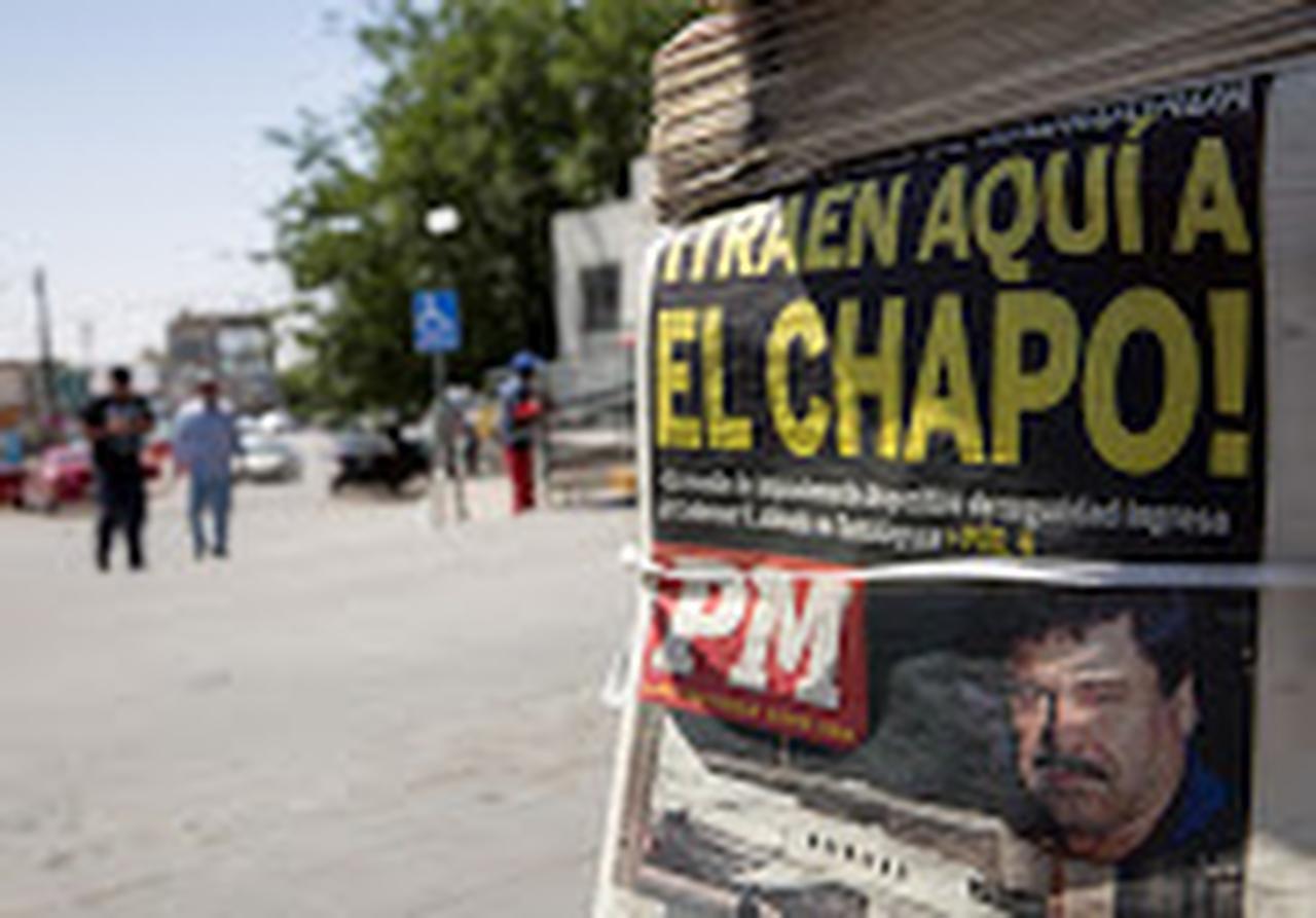 """""""Traen aquí a El Chapo"""", dice un titular de un diario en Ciudad Juárez (ESPECIAL PARA DMN/COURTNEY PEDROZ)"""