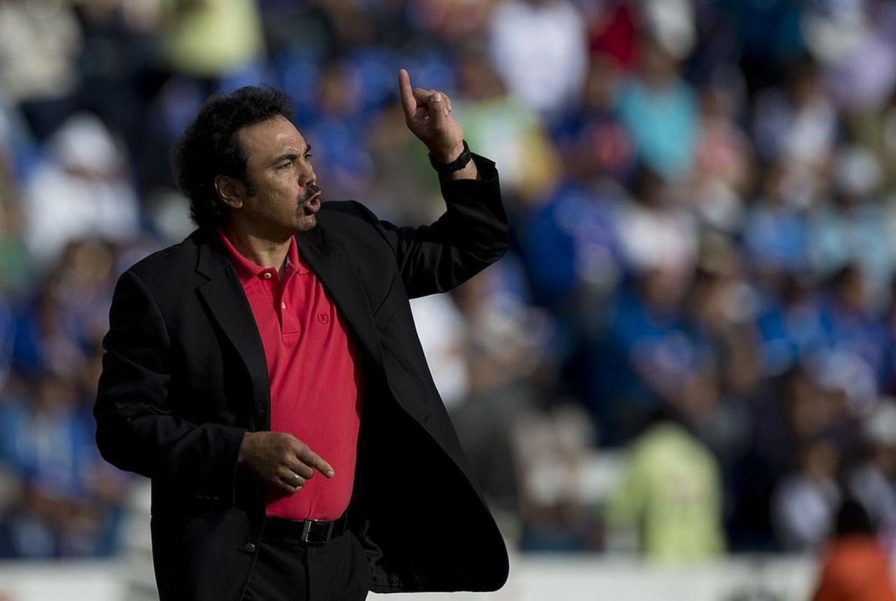 Hugo Sánchez, exfigura del Real Madrid y de la selección mexicana, considera que las ausencias en el Tri son porque a los jugadores se los trata como esclavos. (AFP/GETTY IMAGES/YURI CORTEZ)