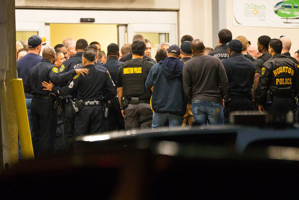 Houston Police Chief Art Acevedo spoke to officers outside the emergency department at Memorial Hermann Hospital last month after a raid that left five officers wounded and two drug suspects dead.