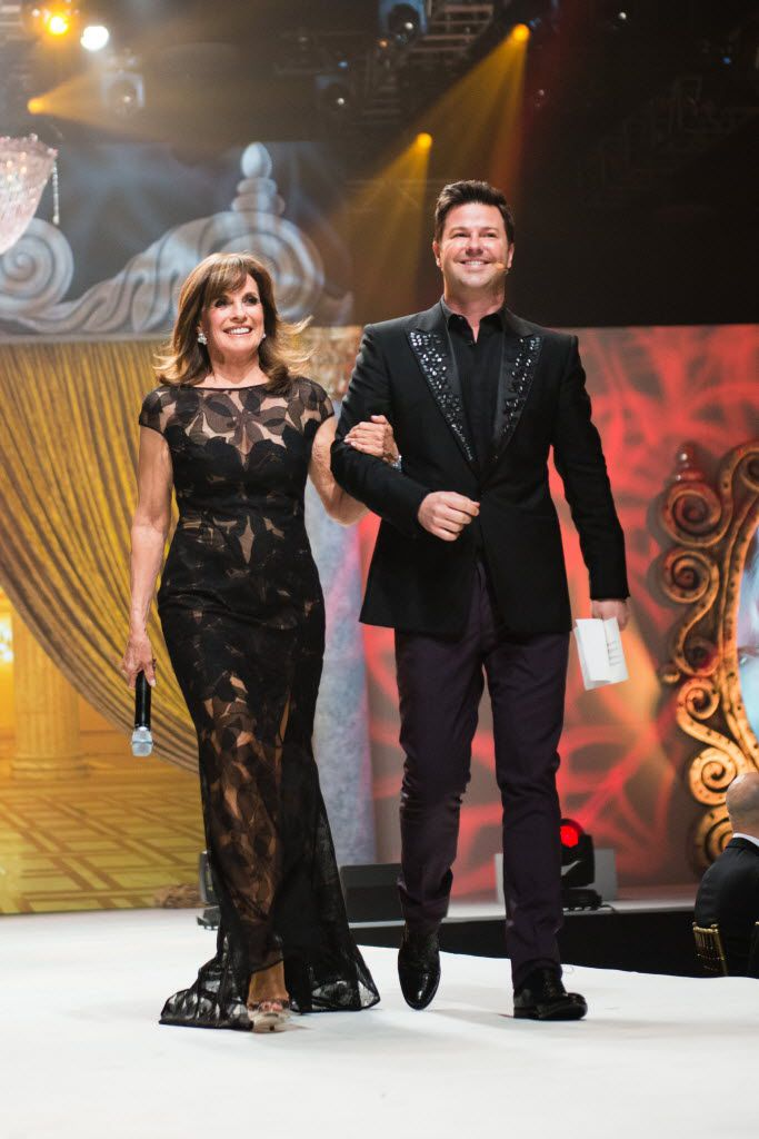Ron Corning escorts 'Dallas' actress Linda Gray during a charity event in 2013.