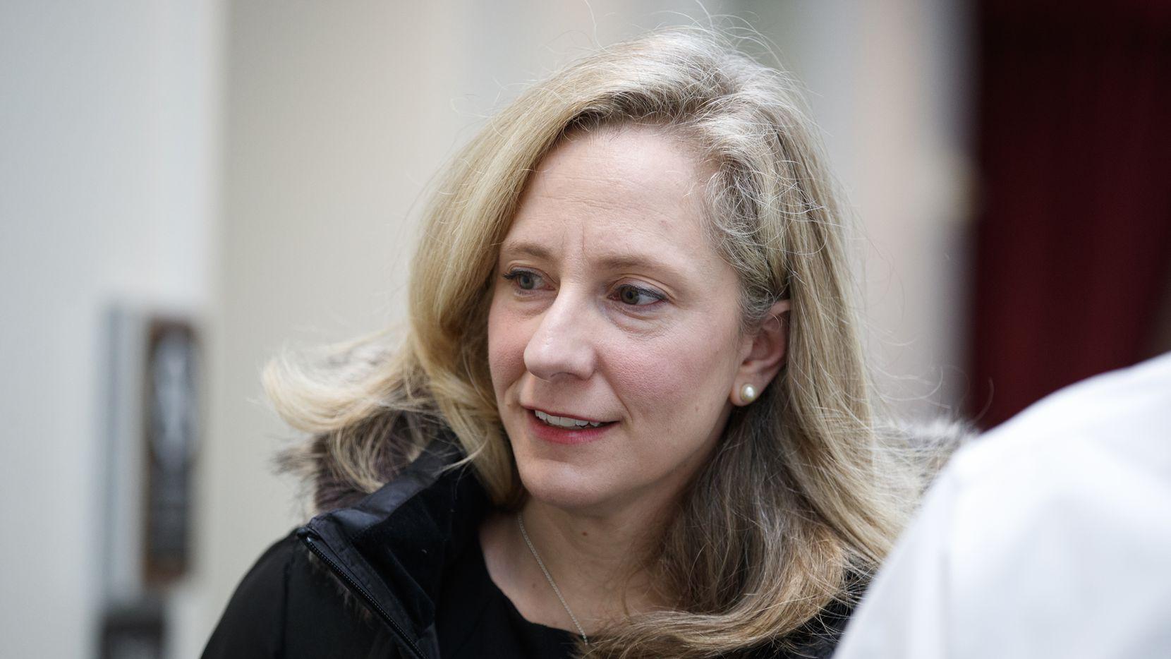 La representante Abigail Spanberger de Virginia, congresista en su primer periodo en el Congreso.