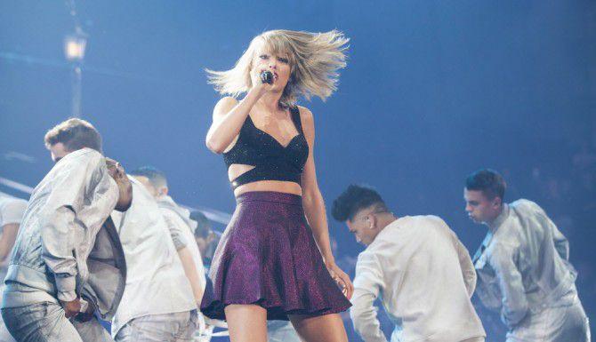 Swift permitirá que 1989 se transfmita por el servicio Apple Music. (NYT/BEN SKLAR)