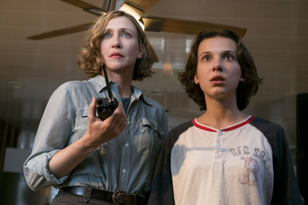 "Vera Farmiga y Millie Bobby Brown en Godzilla: King of the Monsters."" (Warner Bros. Pictures)"