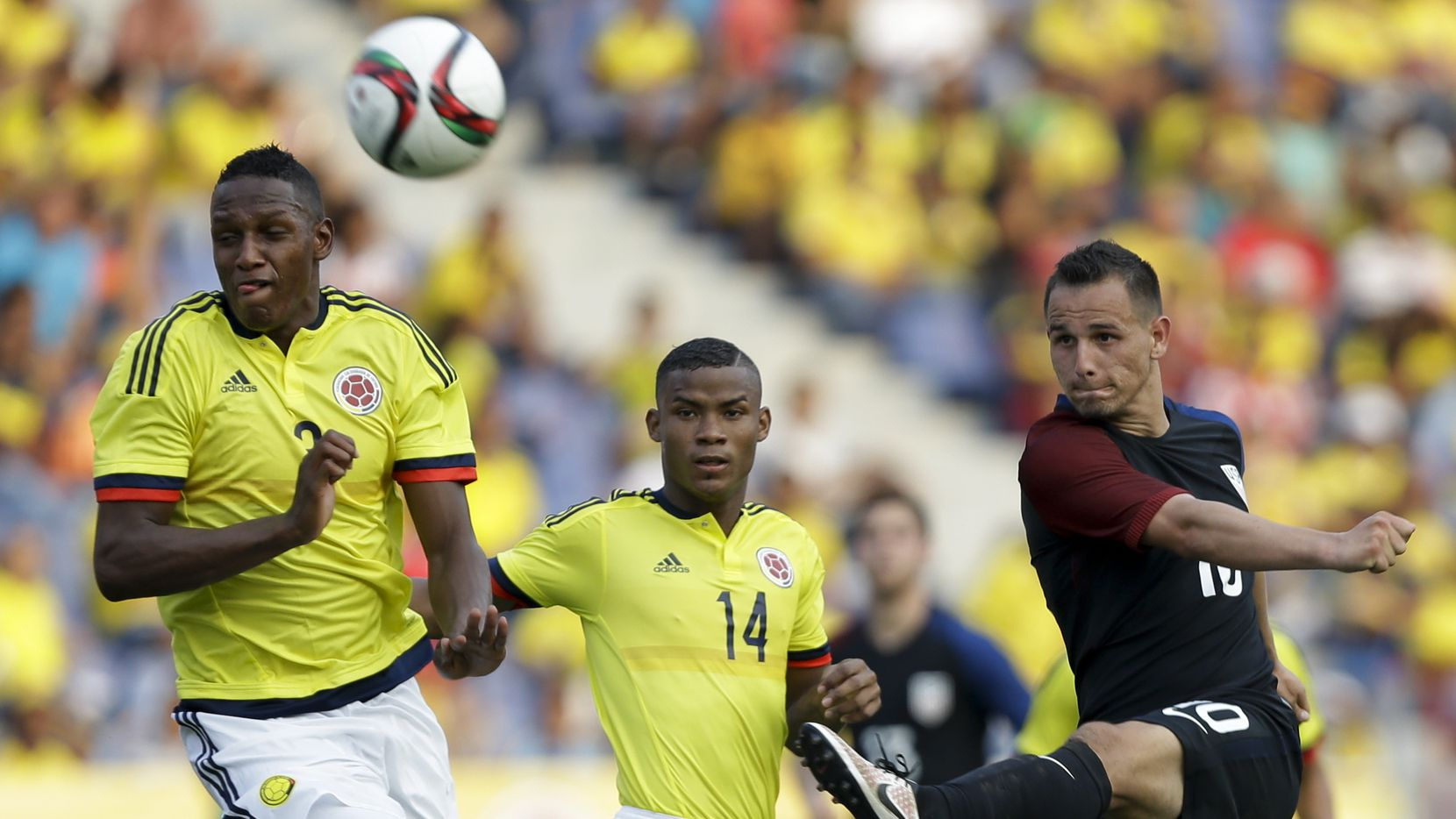 Luis Gil y la selección estadounidense Sub-23 igualaron 1-1 con Colombia la semana pasada en Barranquilla. Foto AP