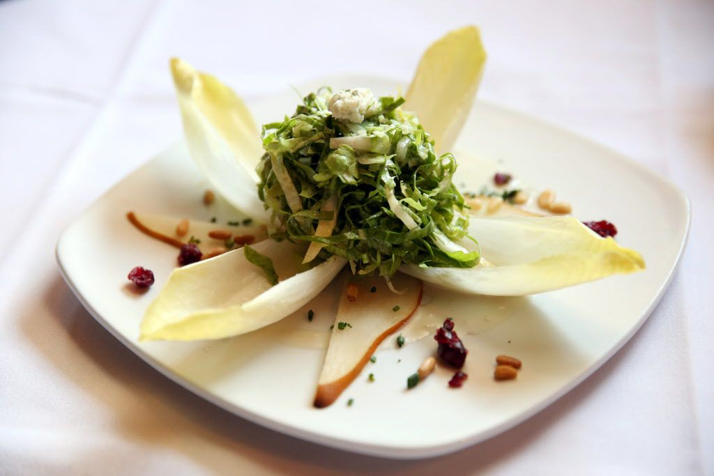 Saint-Emilion's endive salad with sliced pears, Roquefort and chiffonade of lettuce