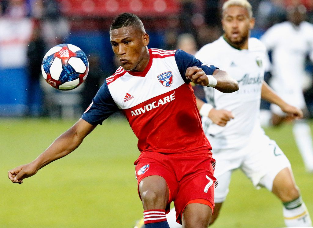 FC Dallas midfielder Carlos Gruezo (7) receives a pass in front of Portland Timbers defender Bill Tuiloma (25) during the first half as FC Dallas hosted the Portland Timbers at Toyota Stadium in Frisco on Saturday, April 13, 2019.  (Stewart F. House/Special Contributor)