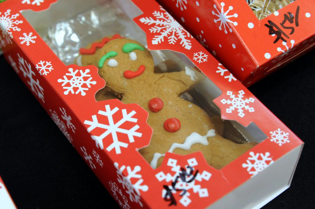 Ginger bread men are sold at the NorthPark Center bake sale befitting the North Texas Food Bank in Dallas, TX on December 19, 2015. (Alexandra Olivia/ Special Contributor)