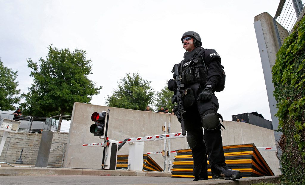An Arlington police officer guards a tunnel entrance to the AT&T Stadium before the U2 concert starts in Arlington, Texas, Friday, May 26, 2017. (Jae S. Lee/The Dallas Morning News)