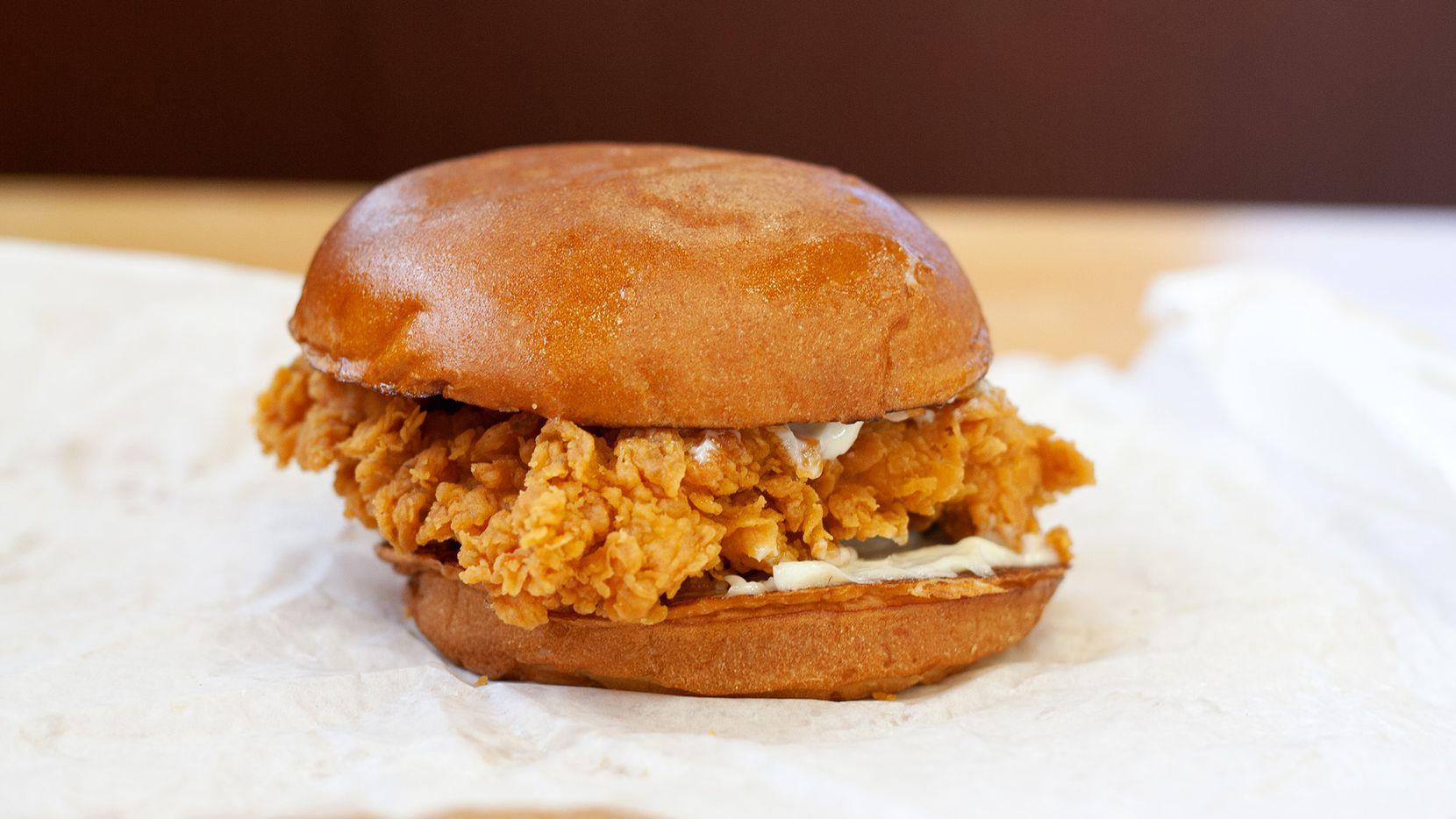 Popeyes Crazy Popular Fried Chicken Sandwich Returns Nov 3