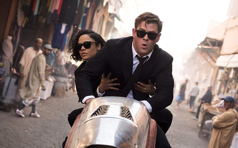 Tessa Thompson y Chris Hemsworth en una escena de  'Men in Black: International'. Sony Pictures