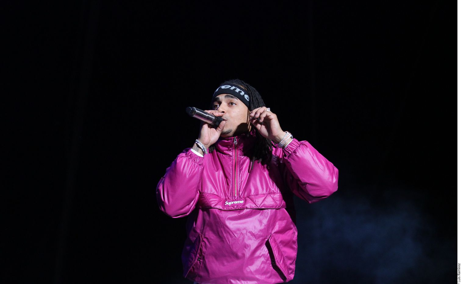 Tras coronarse como el máximo ganador de la 31 edición de los Premios Lo Nuestro, el cantante Ozuna (foto) se presentó como testigo ante la Fiscalía de San Juan, Puerto Rico, por el asesinato del trapero Kevin Fret./ AGENCIA REFORMA