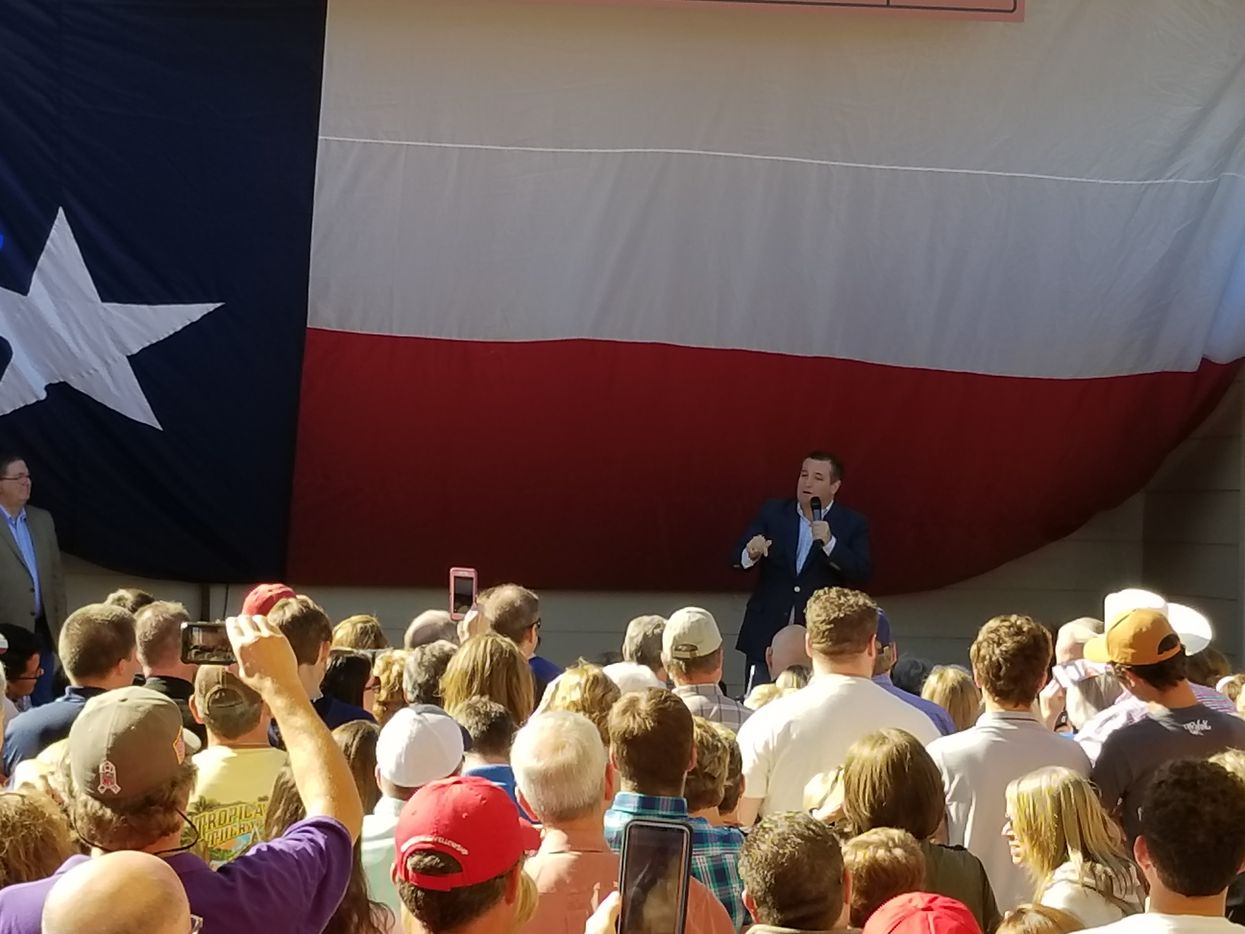 Sen. Ted Cruz campaigns at Marty B's in Bartonville on Sunday Nov. 4, 2018