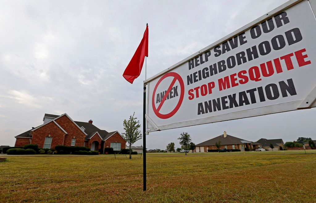 A sign is seen on the front yard at 10474 Walnut Lane, a Forney address. Many Kaufman County residents oppose city of Mesquite plans to annex households and surrounding property before new state law takes effect Dec. 1. (Jae S. Lee/The Dallas Morning News)