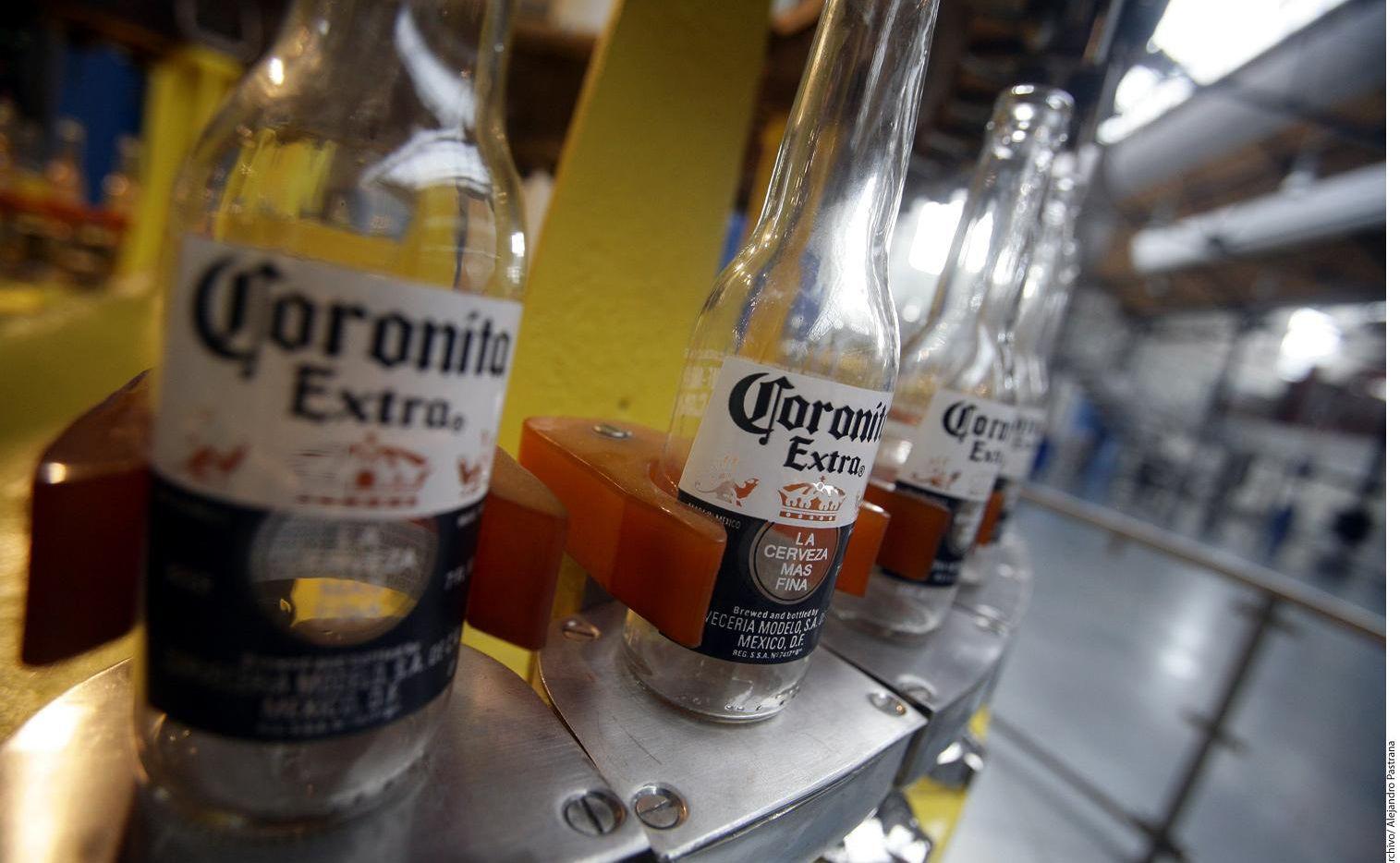 Producción de la cerveza Corona, una de las favoritas del mercado estadounidense.(AGENCIA REFORMA)