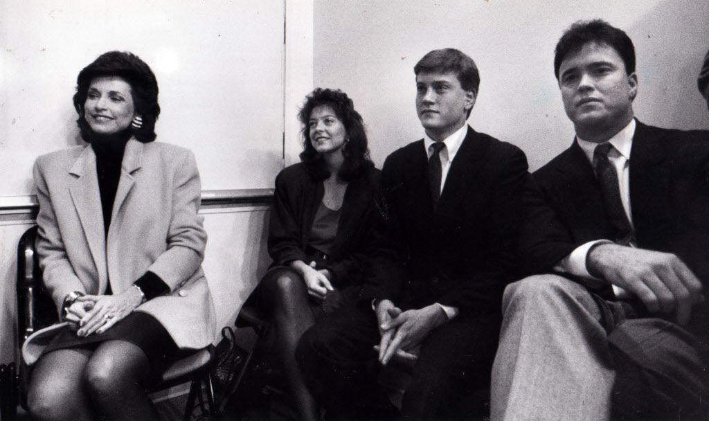 Archivo de 1989. la familia de Jerry Jones: su esposa Gene, su hija Charlotte, y sus hijos Jerry Jr. yStephen.