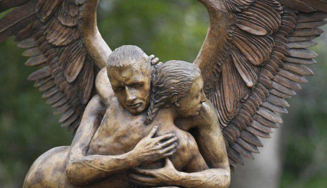 Esta es una de las esculturas de Jorge Marín que se encuentran en exhibición en Dallas. (DMN/KYE R. LEE)