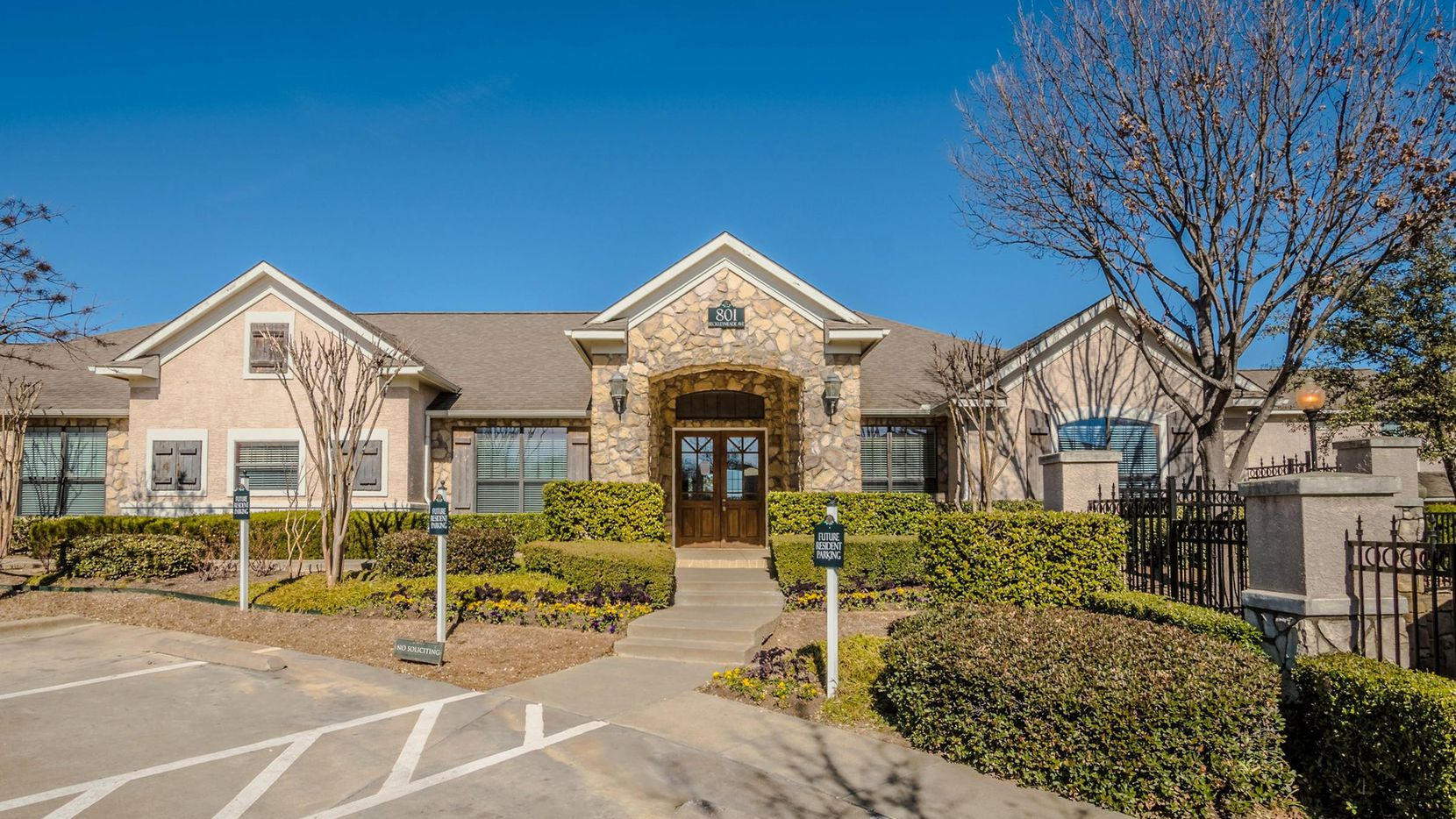 Dominium has purchased the Beckley Townhomes in Oak Cliff.