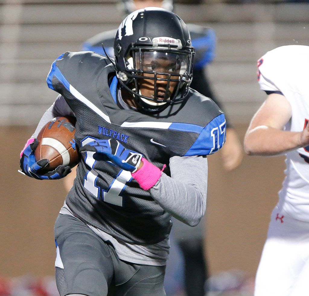 Plano West High School running back Kamryn Settles (17) carries the football during the first half as Plano West High School hosted McKinney Boyd High School at Clark Stadium in Plano on Friday night, October 11, 2019. (Stewart F. House/Special Contributor)
