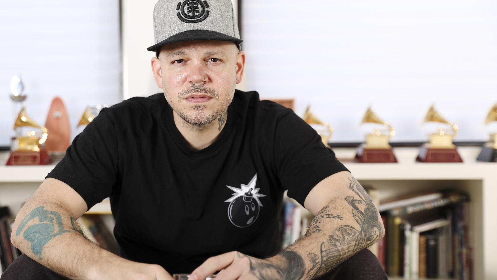 René Pérez Joglar, conocido profesionalmente como Residente, en su casa de Nueva York.