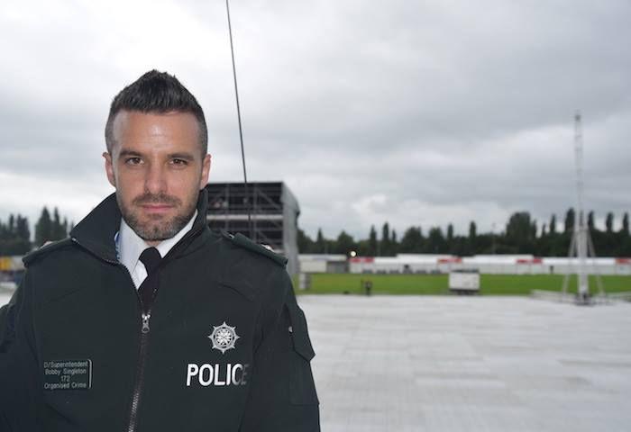 El oficial peretenece al Police Service of Northern Ireland . FOTO TOMADA DE FACEBOOK.