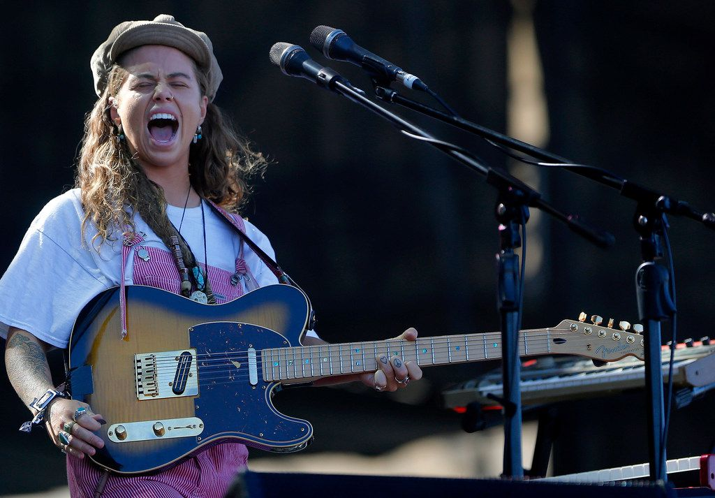 Tash Sultana performs during the third day of Lollapalooza Chile 2018 at Parque O'Higgins on March 18, 2018 in Santiago, Chile.