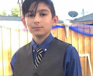 James González fue recordado por sus amigos el domingo en una vigilia. Fue asesinado por su padre, quien luego se mató.  FACEBOOK.