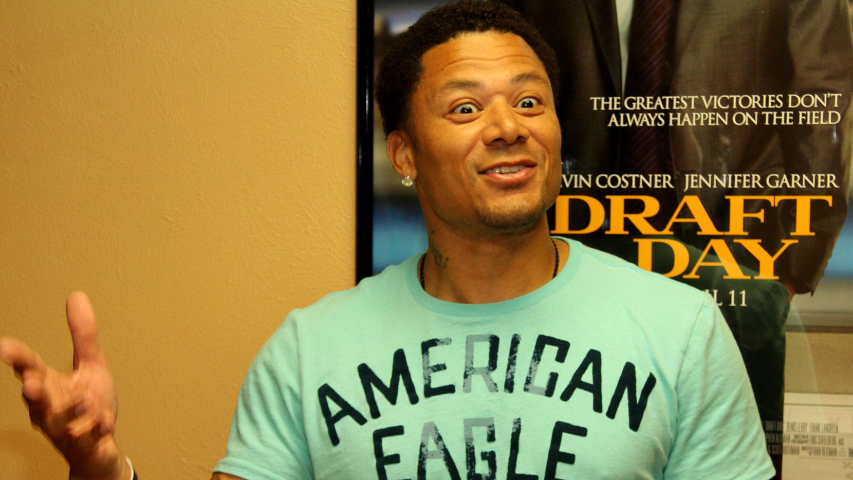 """Former Dallas Cowboys receiver Terry Glenn recalls details of his draft day into the National Football League for members of the local media at a screening of the movie """"Draft Day"""" last month."""