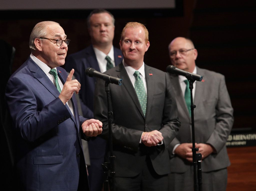 UNT President Neal Smatresk, left, and Frisco Mayor Jeff Cheney, right, announce plans for a new UNT branch in Frisco on May 1, 2018.