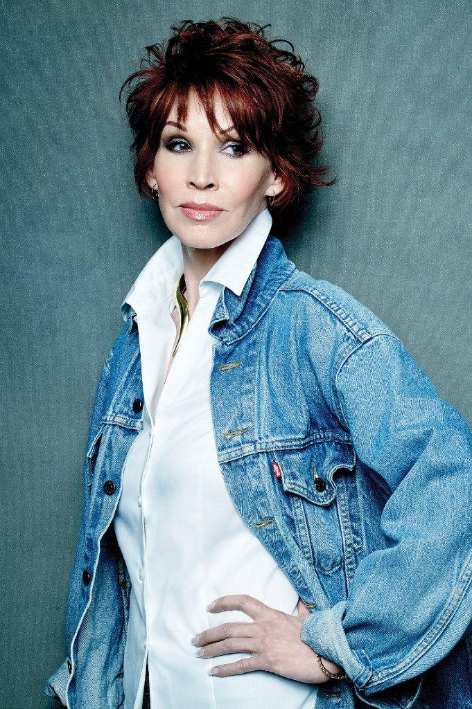 Author Sandra Brown