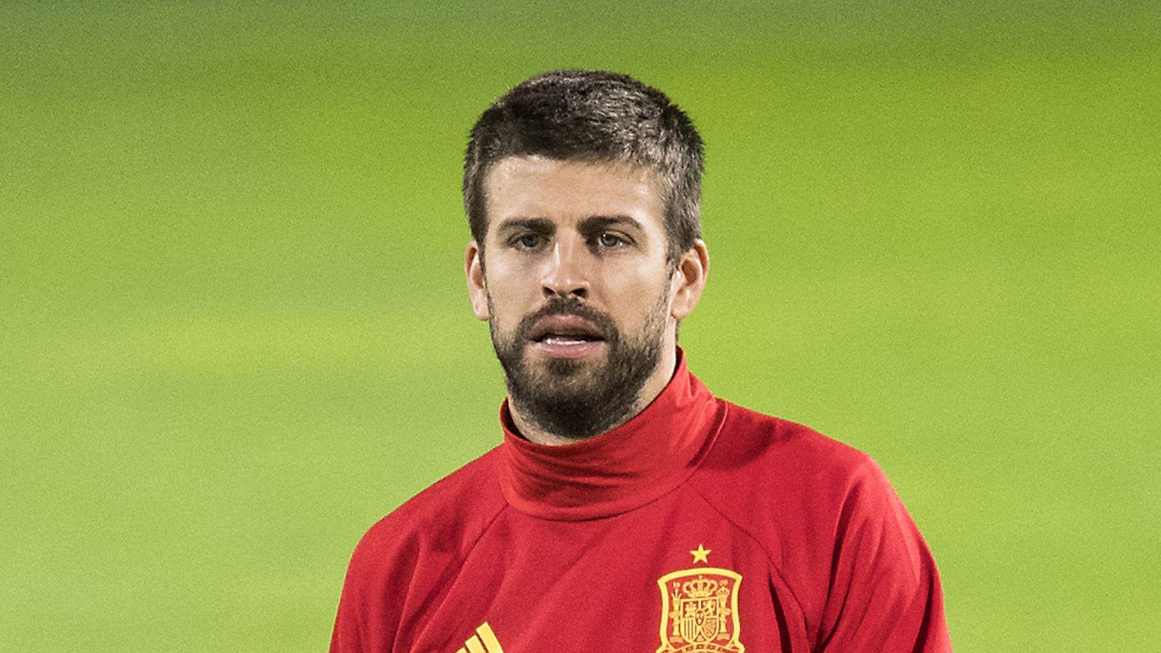 El catalán Gerard Piqué juega con la selección española pero apoya la independencia de Cataluña. (AP/Gian Ehrenzeller)