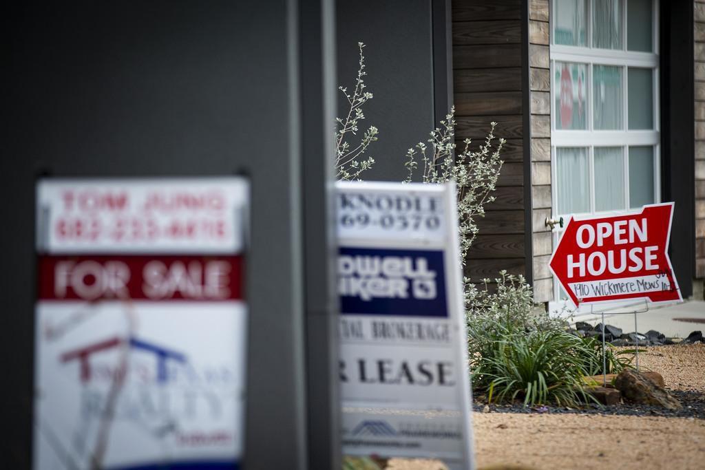 Casas en oferta para comprar y para arrendar en Wickmere Mews, en West Dallas. (DMN/SMILEY POOL)