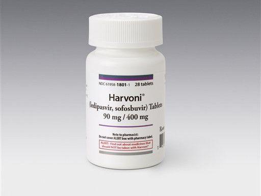Frasco del medicamento Harvoni para hepatitis, proporcionado por Gilead Sciences. (AP/Uncredited)