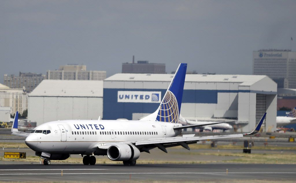 United Airlines passenger plane(AP Photo/Mel Evans, File)