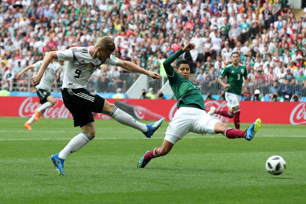 Hugo Ayala saldría en reemplazo de Héctor Moreno con la selección de México ante Brasil en octavos de Rusia 2018. Foto Getty Images