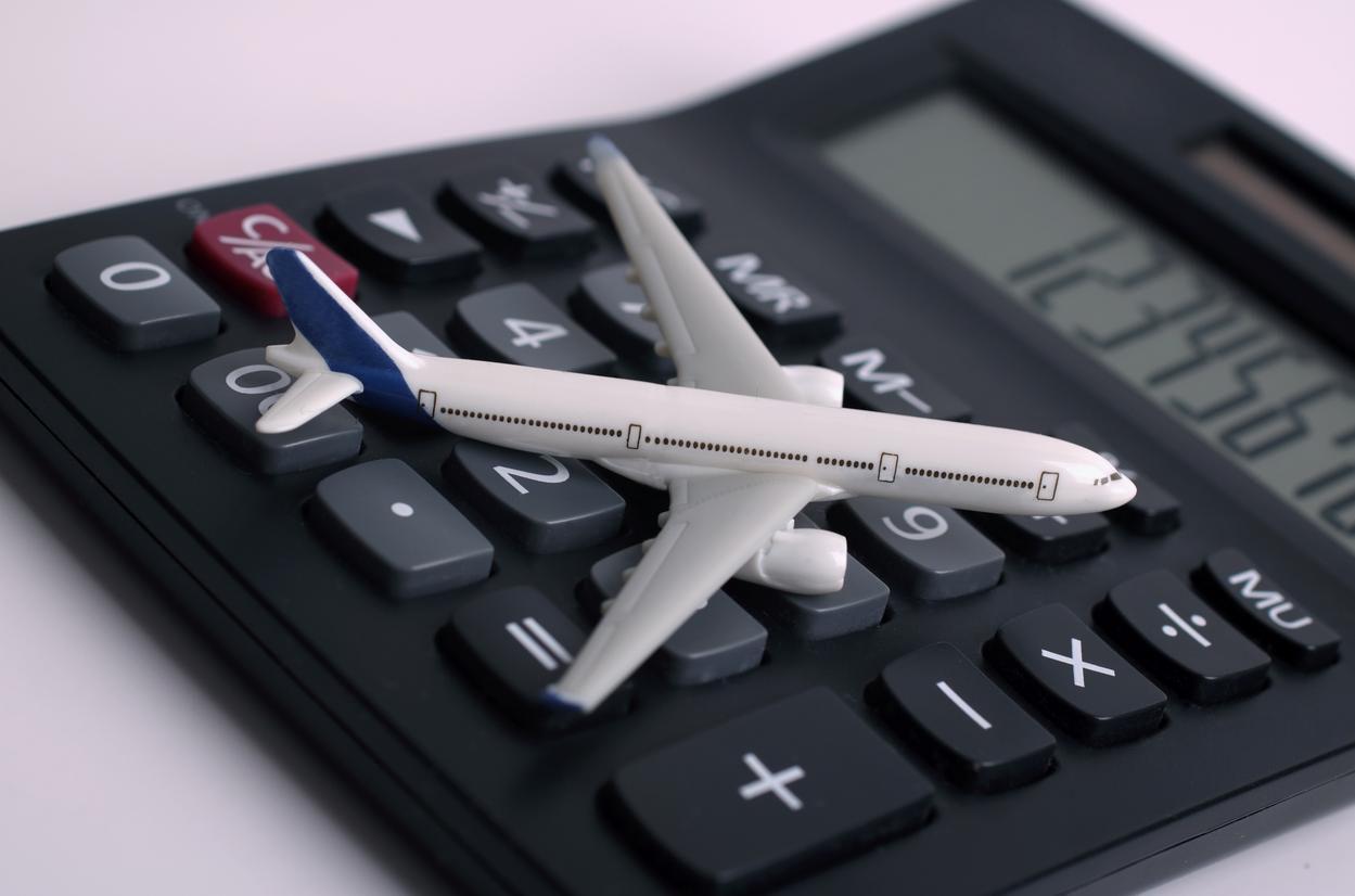 Sitios de internet ayudan a comparar tarifas de boletos de avión.(GETTY IMAGES)
