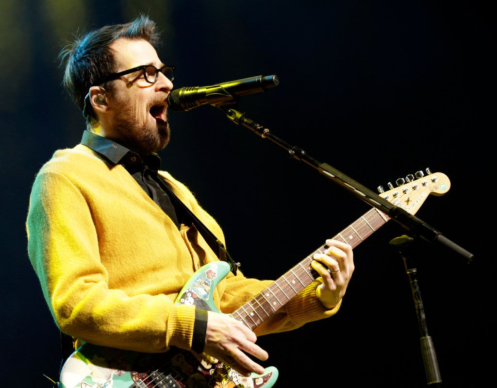 """Weezer performs during the """"How The EDGE Stole Christmas"""" show at Verizon Theatre in Grand Prairie, TX, on Dec. 6, 2016. (Jason Janik/Special Contributor)"""