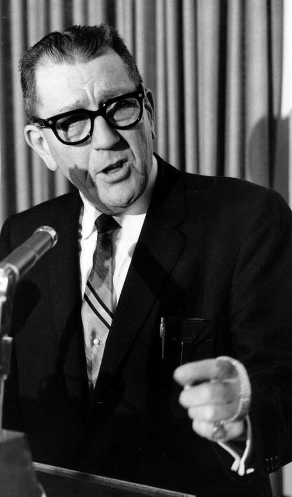 Former Dallas Mayor Earle Cabell in 1962.