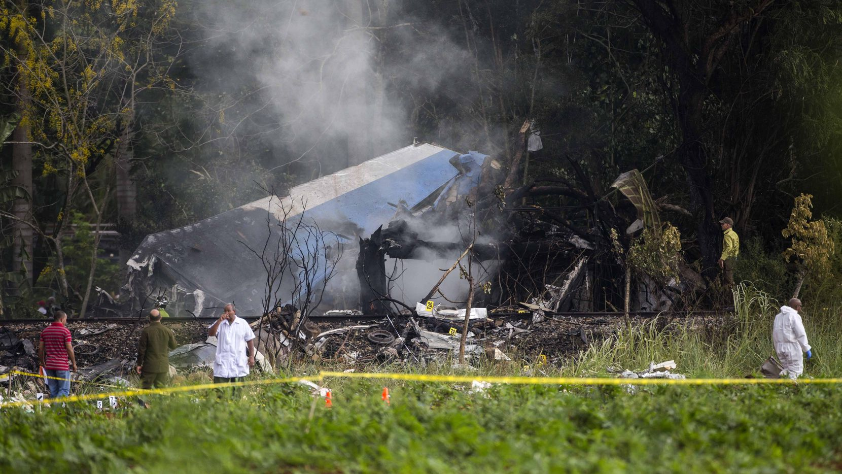 El avión Boeing 737 rentado por Cubana de Aviación se estrelló el viernes al despegar del Aeropuerto Internacional de La Habana, Cuba.(AP)