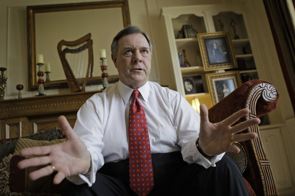 Former news anchor Mike Snyder is running for Tarrant County tax assessor-collector. (2010 File Photo/Fort Worth Star-Telegram)