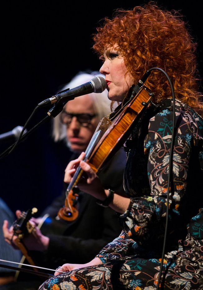 Chris Masterson and Eleanor Whitmore of The Mastersons perform at Lampadusa: Concerts for Refugees in Dallas.