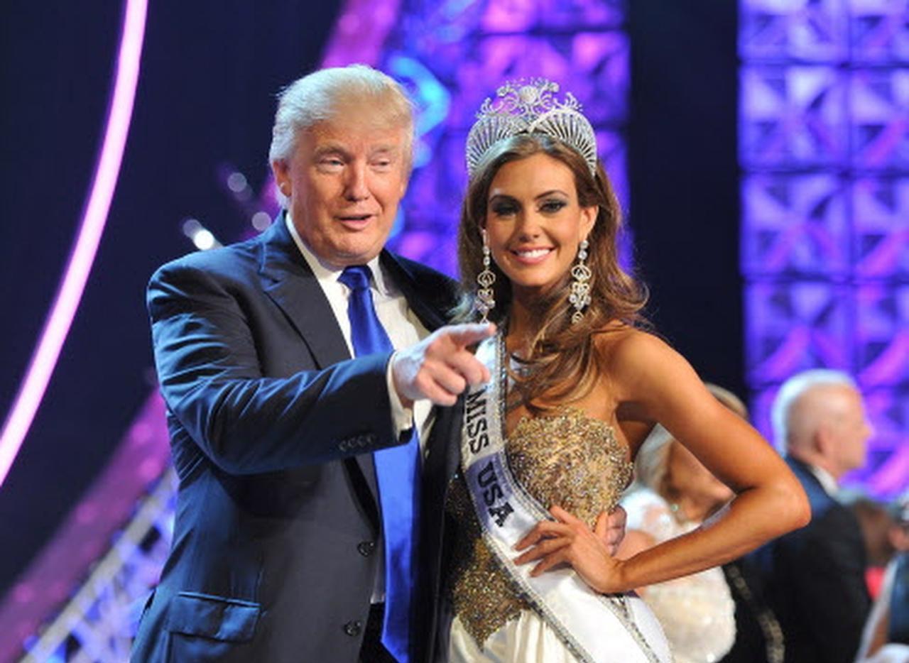 Donald Trump y Univision llegaron a un acuerdo por la demanda del magnate luego de que la cadena hispana se rehusara a pasar concursos de belleza debido a las declaraciones xenófobas de Trump, quien era propietario de Miss Universo. (AP/JEFF BOTARI)