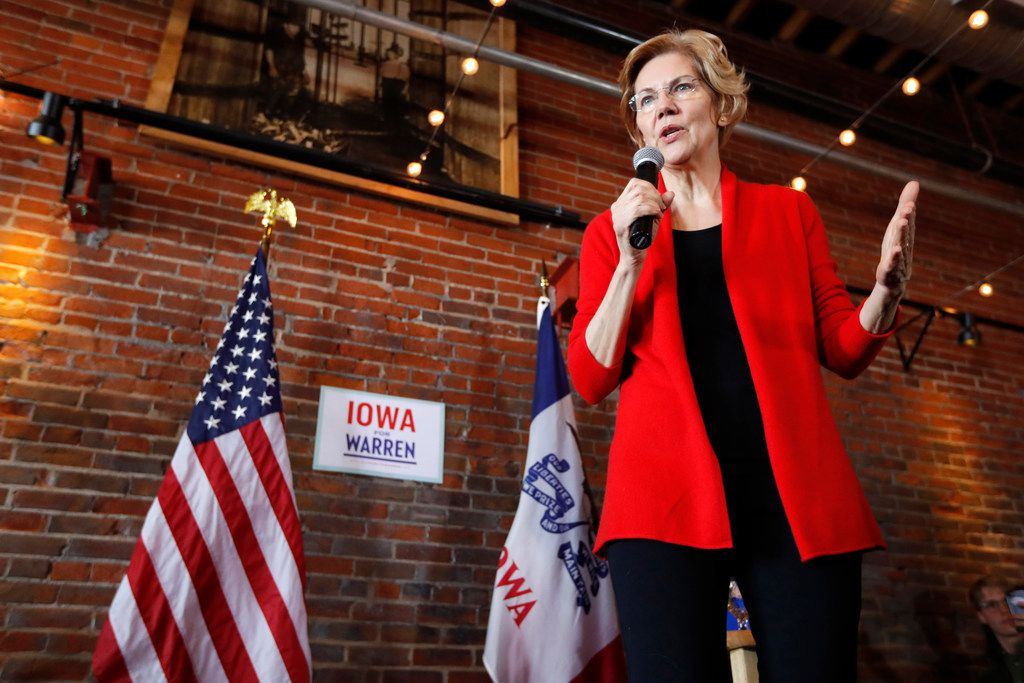 2020 Democratic presidential candidate Sen. Elizabeth Warren speaks to local residents during an organizing event on March in Dubuque, Iowa.