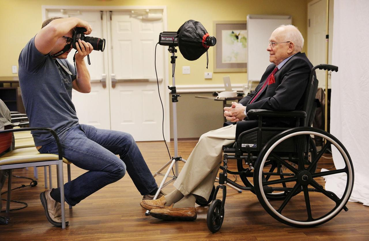 Thomas Sanders photographed veteran O.L. Davis Jr. last month at the Belmont Village Senior Living center in Dallas. The portraits are displayed in the same facilities where they are made and in the book The Last Good War: The Faces and Voices of World War II.