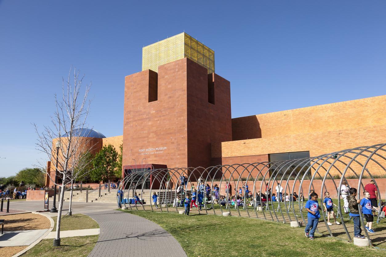 En la foto, el Fort Worth Museum of Science and History. La ciudad fue calificada como una de las más asequibles para vivir.