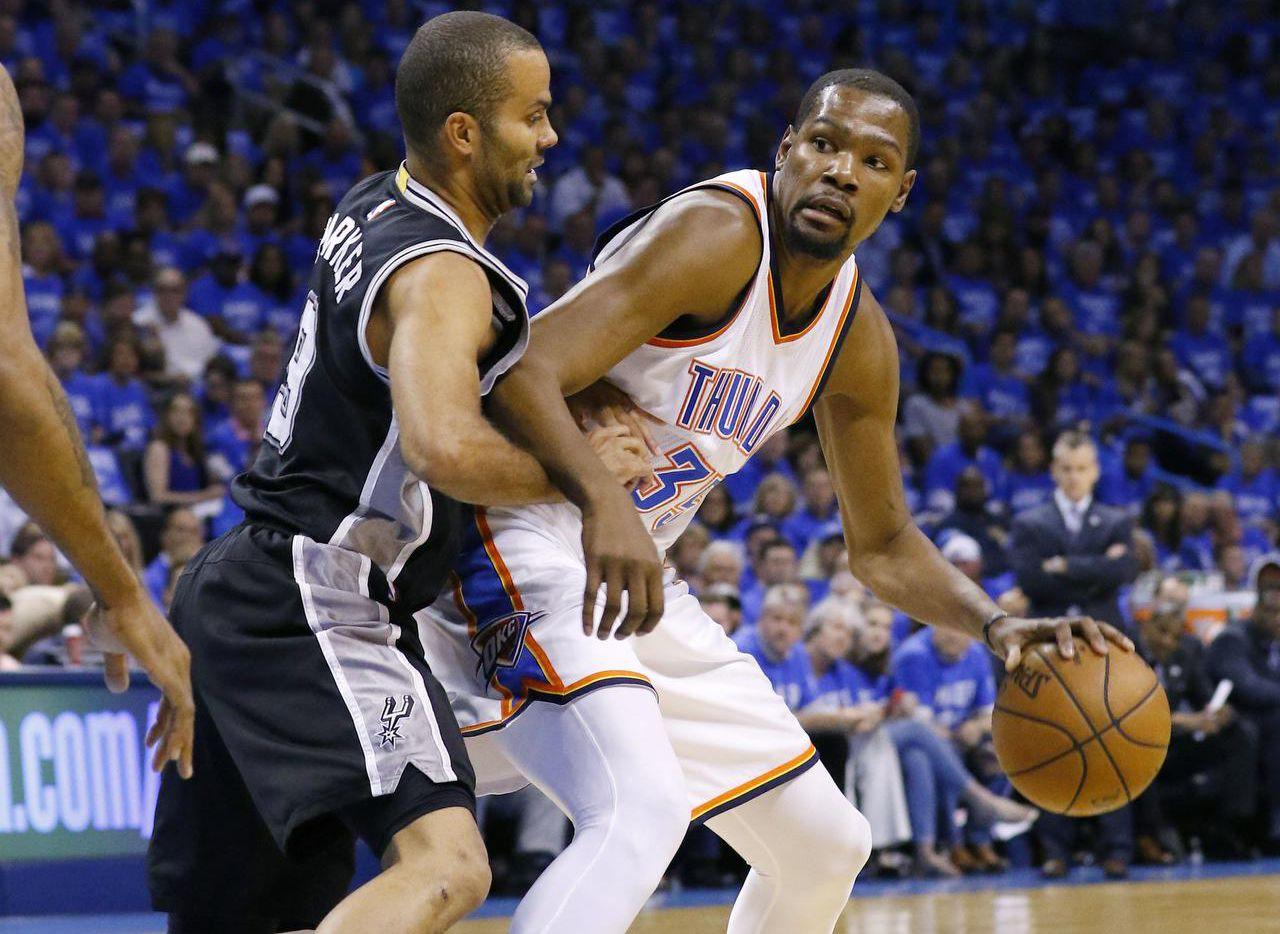 Kevin Durant y el Thunder eliminaron a los Spurs en semifinales del Oeste. (AP/ALONZO ADAMS)