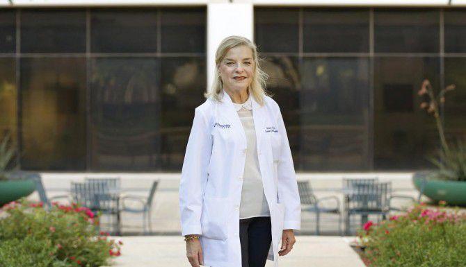 Barbara Haley, profesora de medicina interna y oncología en el Harold C. Simmons Comprehensive Cancer Center (DMN/ROSE BACA)