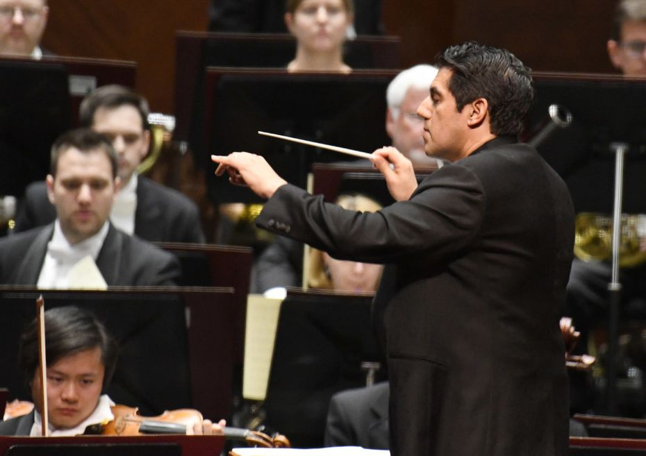 Miguel Harth-Bedoya conducts the Fort Worth Symphony Orchestra at the Bass Performance Hall on Feb. 24.