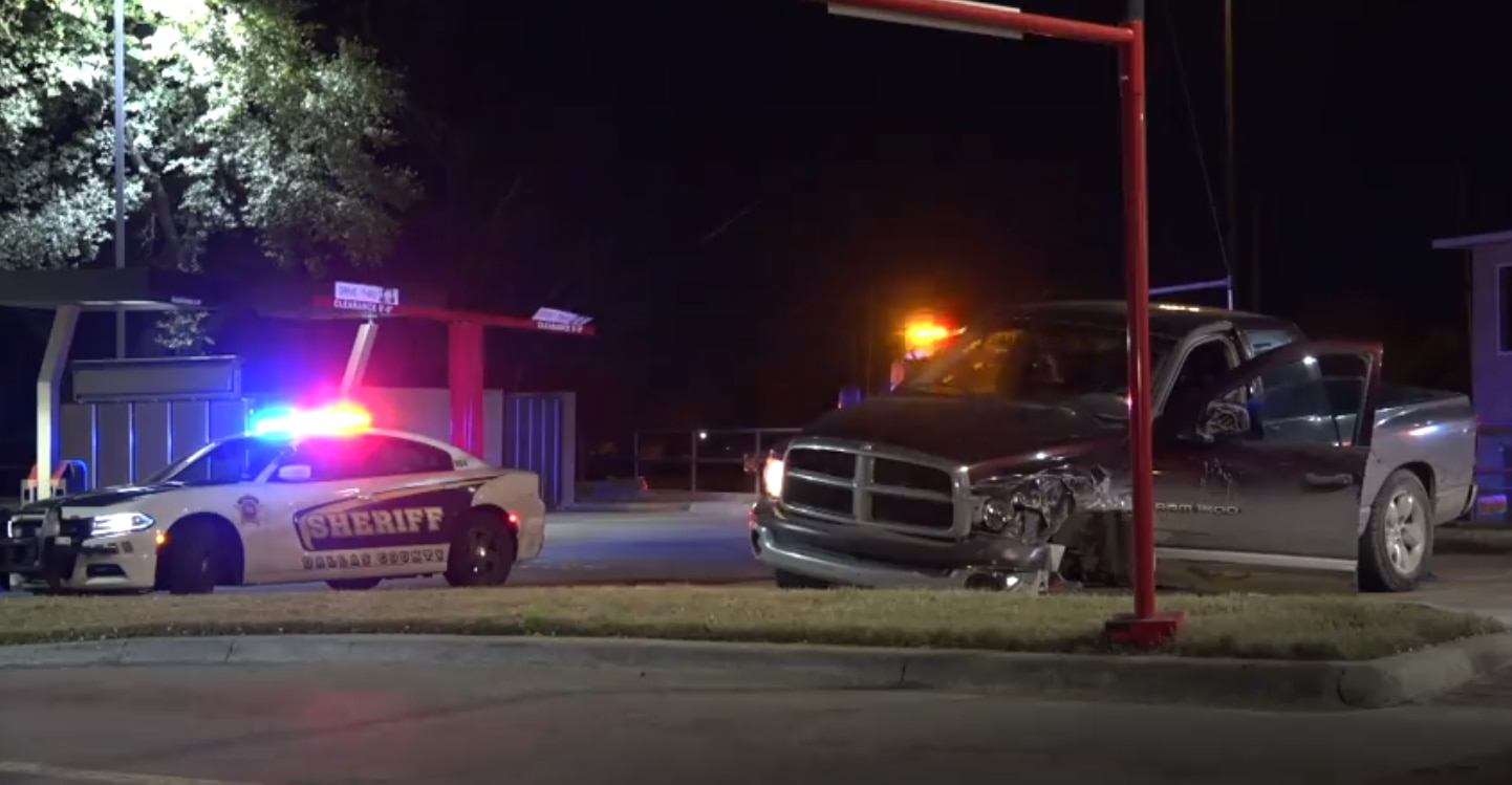 DWI suspect fled after hitting deputies' squad cars on I-35E